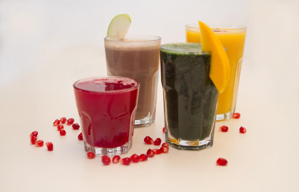 מיצים ושייקים מירקות ופירות המועילים לניקוי רעלים