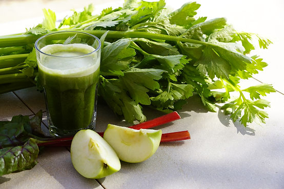 מיץ ירוק מזין ומחזק בסדנת נקי מבפנים צום מיצים וניקוי רעלים