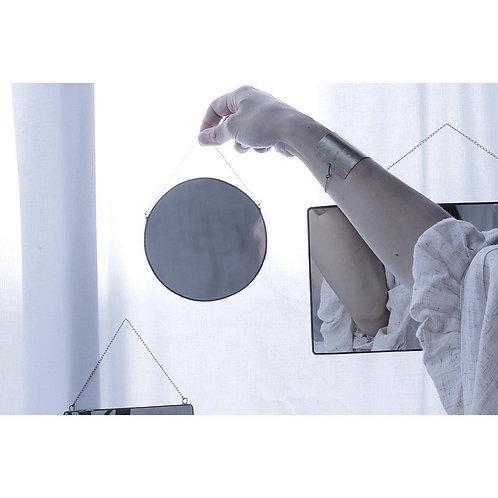 Cacoさんのシンプルな鏡