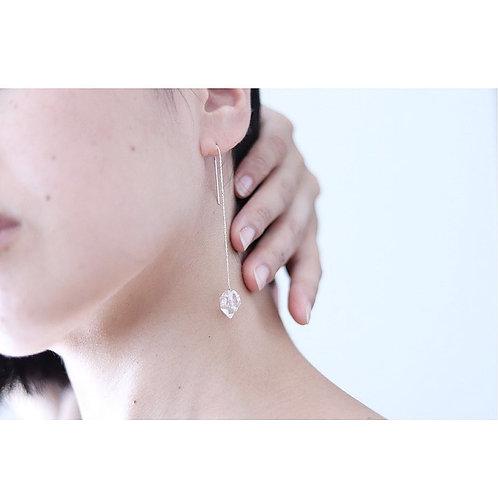 ダイヤモンドクオーツのアメリカンチェーン 片耳ピアス