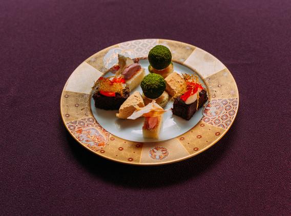 Gold Patterned Dinner Set