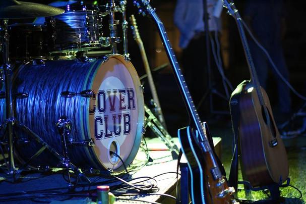 Cover Club prête pour jouer...