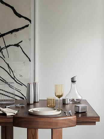 BLOMUS Tisch Geschirr.jpg