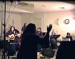 AH-Tofa'ah 2005 concert Stand Up
