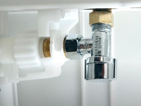 Comment remplacer le robinet d'arrêt d'une chasse d'eau | WC suspendu