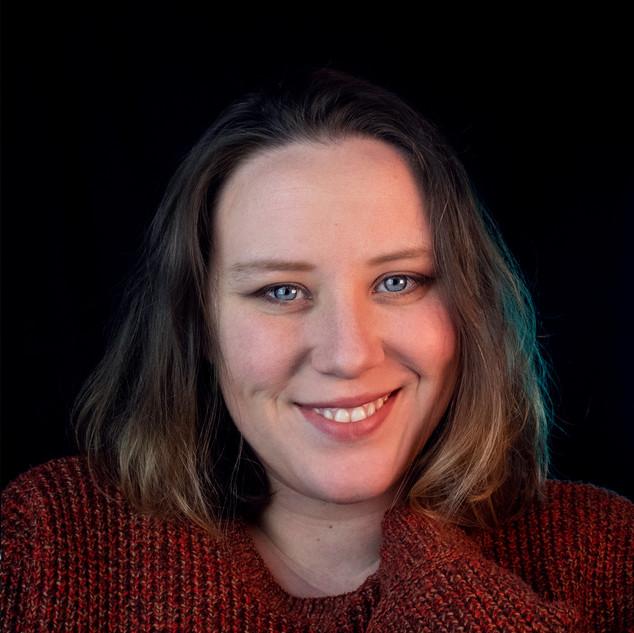 Sarah Grant 2020 Headshot 05.jpg