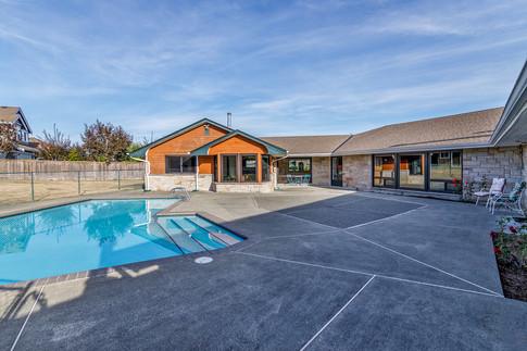 patio-pool-3.jpg