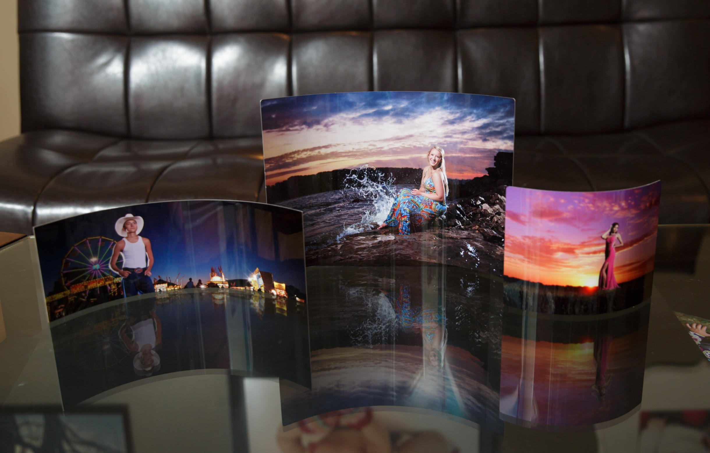 Desktop Curved Metal Photos
