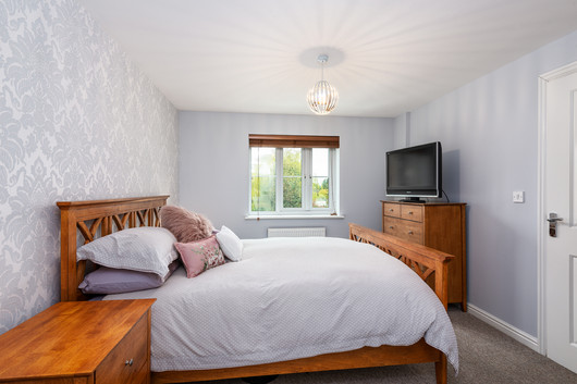6 Searchlight Heights bedroom1a.jpg