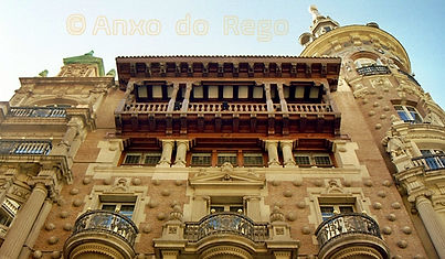 Madrid. Edficio en Plaza de Canalejas.jpg