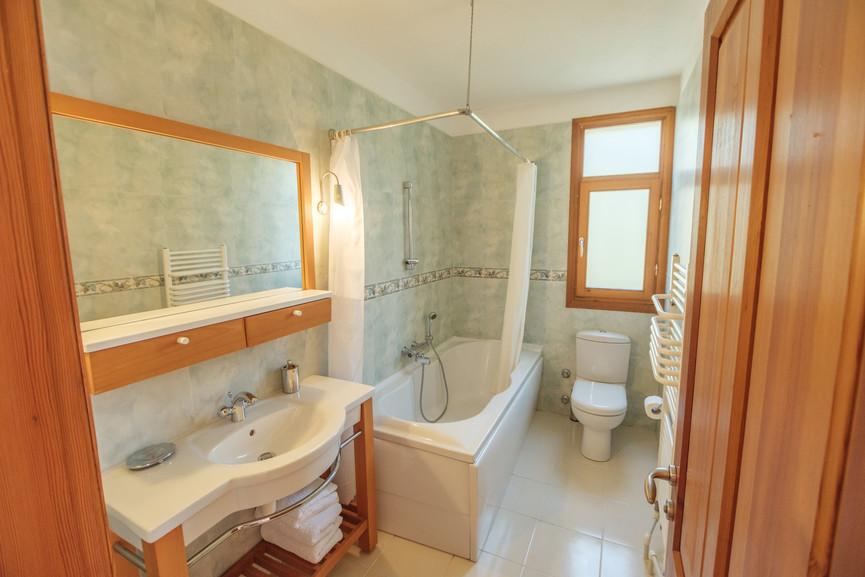 Villa Alev - Twin Bedrooms Bathroom - Kalkana - Kalkan.jpg