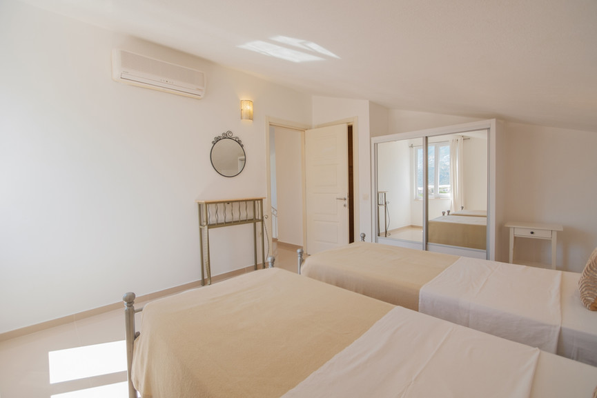Sunset 3 - Ensuite Twin Bedroom - Kalkana - Kalkan.jpg