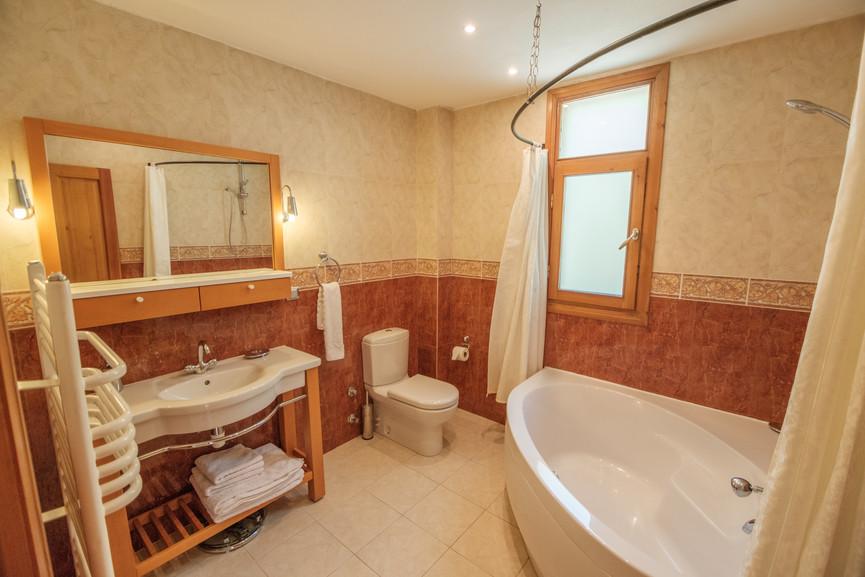 Villa Alev - Master Suite Bathroom - Kalkana - Kalkan.jpg