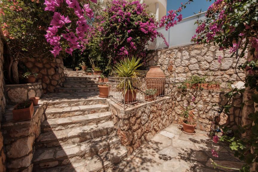 Villa ilayda - Courtyard Private Garden - Kalkana - Kalkan(1).jpg
