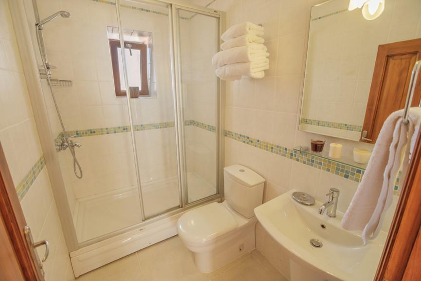 Villa Kalan - Ensuite Twin_King Bathroom - Kalkana - Kalkan(1).jpg