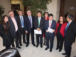 21 de mayo: Bancada Socialista pide al gobierno acoger propuesta que termina con el alza de las isap