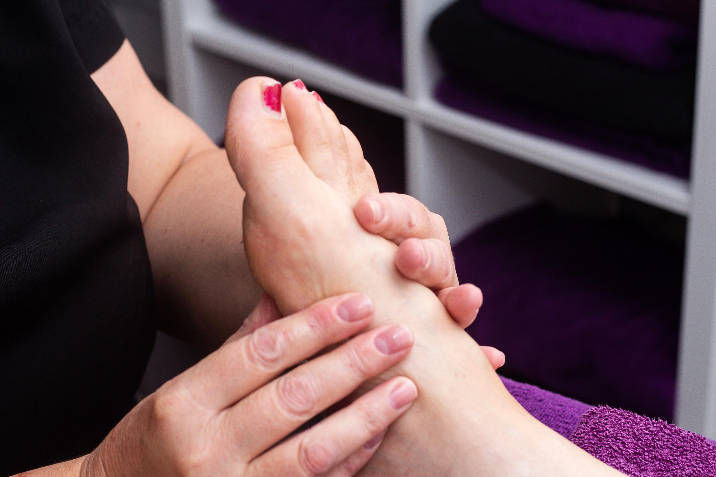 Reflexology with back massage