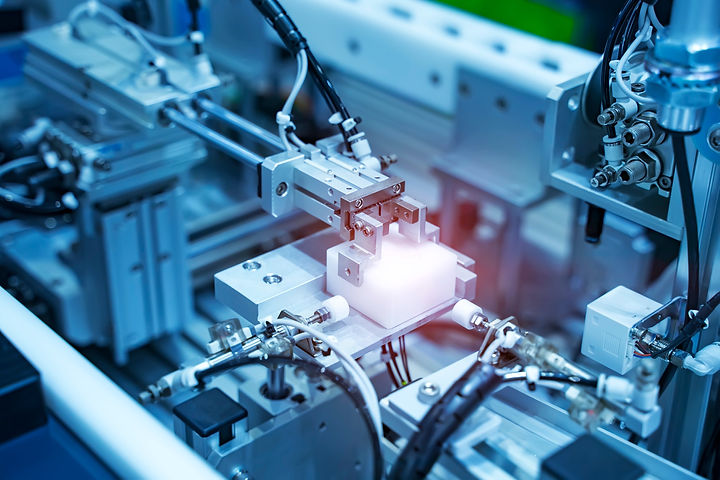 automatic%20system%20pneumatic%20input%20to%20robot%20handle%20in%20intelligence%20factory_edited.jpg