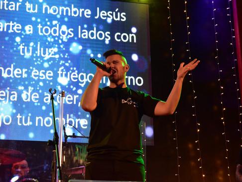 Sean Luz night rock