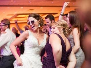 5 Tips to Get Wedding Guests on the Dance Floor