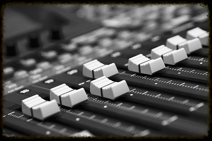 Pro Audio, Video, DJ, Karaoke and Photobooths