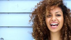 mulher-sorrindo_0_1_edited