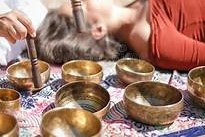 What happens in a sound healing/bath?