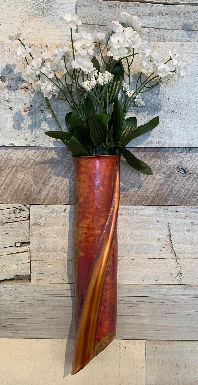 Anthurium Bud Wall Pocket (Cr)