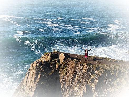 lyn-cliff_edited.jpg
