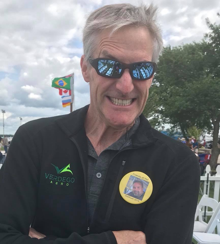 "Erik Lindbergh sporting the yellow ""Friends of Hal"" button."