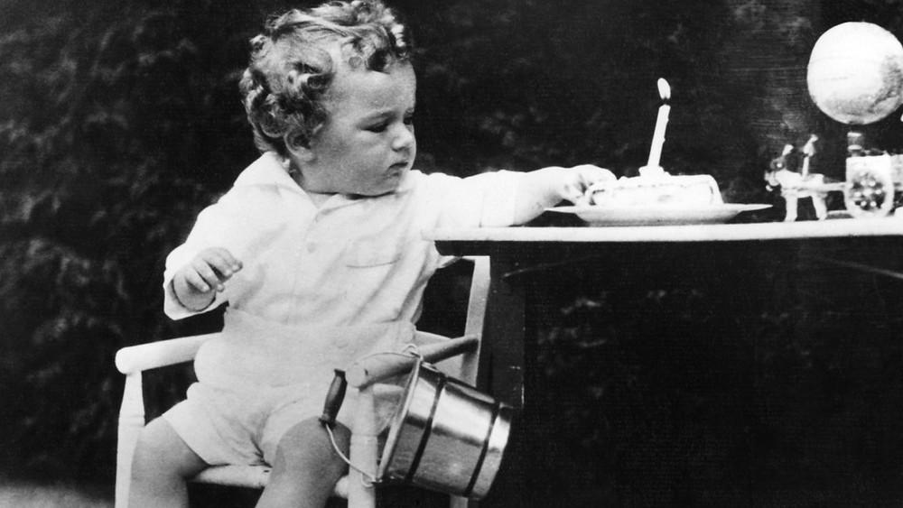 In memory of Charles Lindbergh, Junior (1930 - 1932). Erik's Uncle.