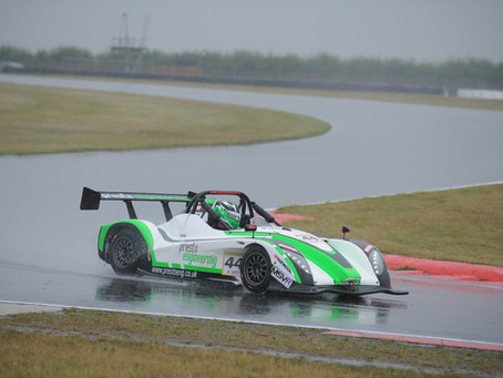 TOP SIX & A SPIN FOR LAY AT SNETTERTON