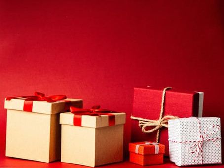 HEALTH AND BEAUTY: CHRISTMAS GIFTS