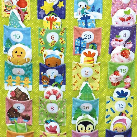 tissu-enfant-Noel-pere-cadeau-calendrier