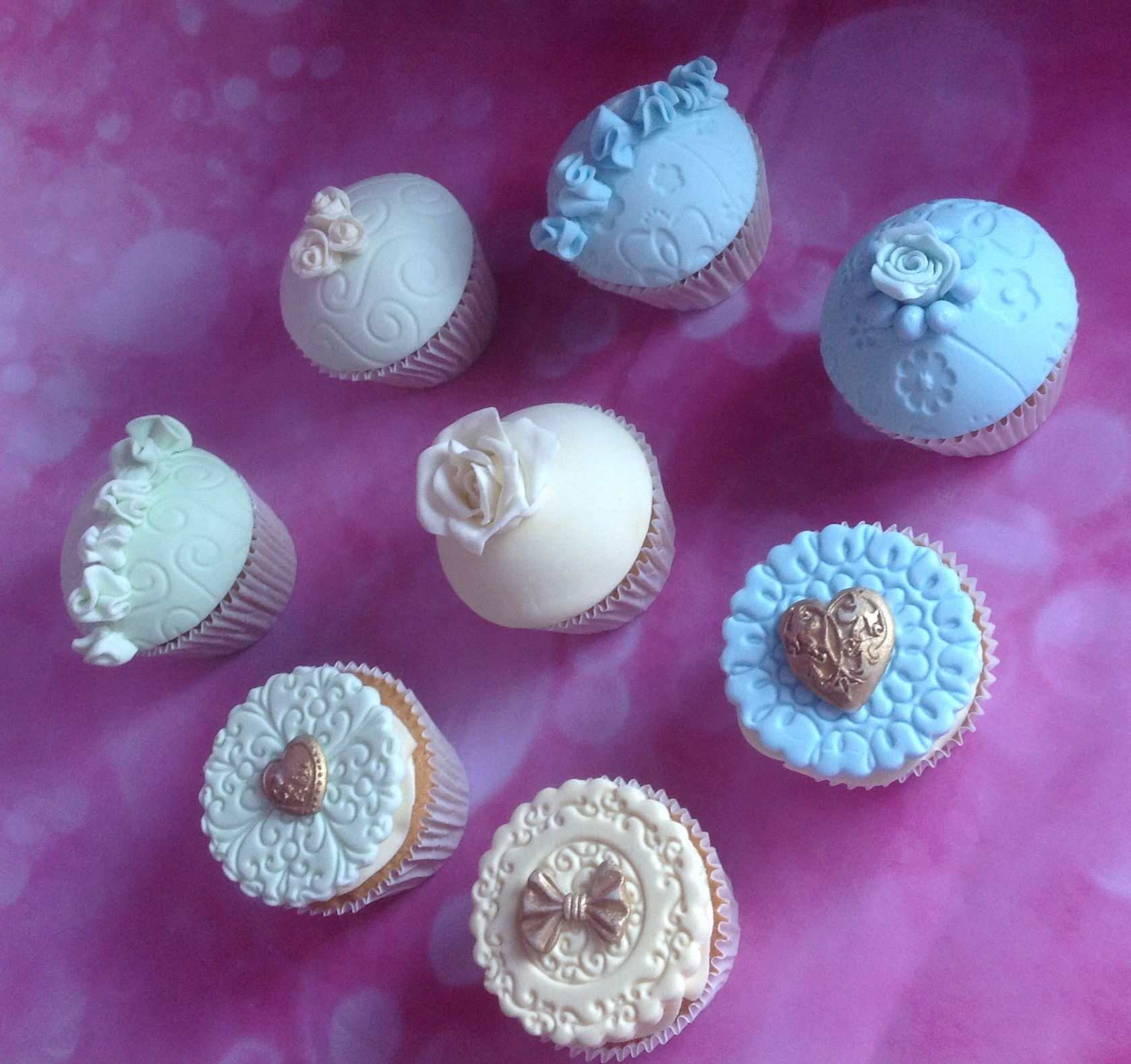 Bespoke Topper Cupcakes