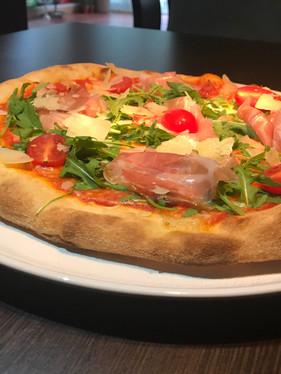 Pizza San Daniele.jpg