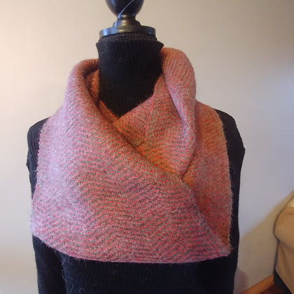 Infinity Scarf Red, charcoal