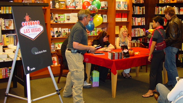 First Book Signing Event at Barnes & Noble, Las Vegas 2009