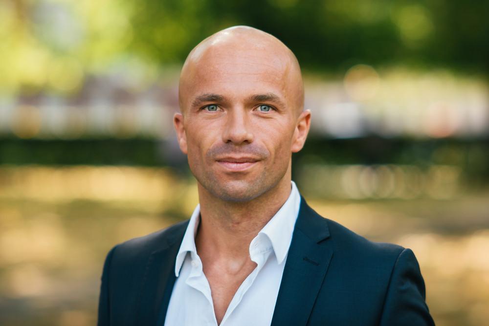 Hugh Wade Jones - Ennes Global Mortgages - The Simon Deen Real Estate Blog