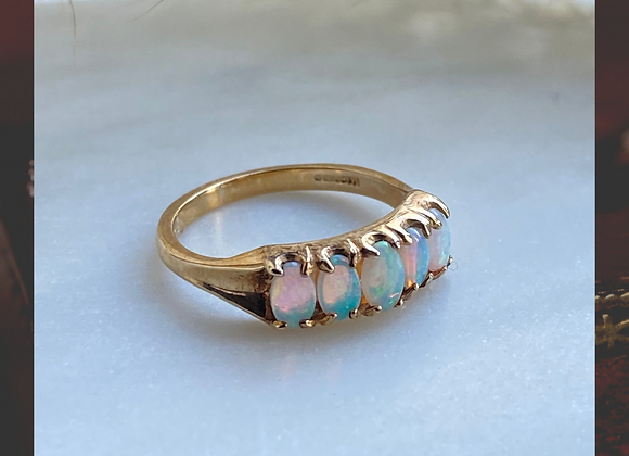 9ct Opal Ring