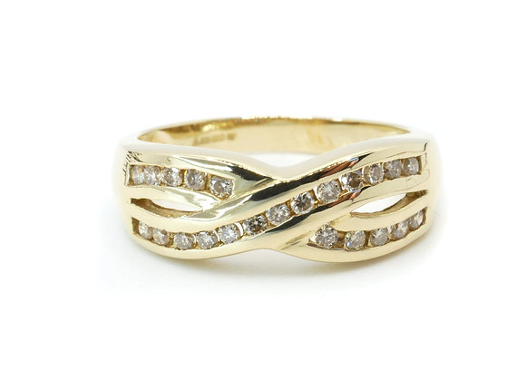9ct Two Row Cross Over 0.25cts Diamond Ring