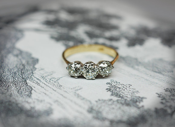 Vintage 1.10cts Trilogy Engagement Ring