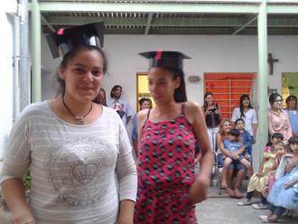 Dos alumnas de Casa de Galilea finalizaron el colegio secundario. Ahora queremos ayudarlas a seguir