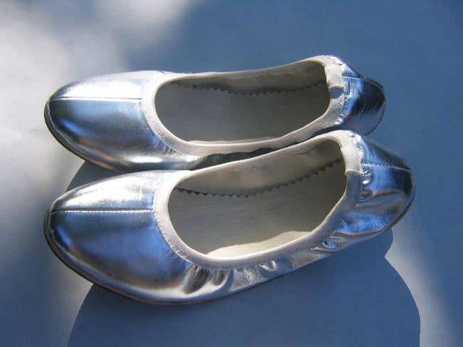 silver shoes_zps5vddgiew.jpeg