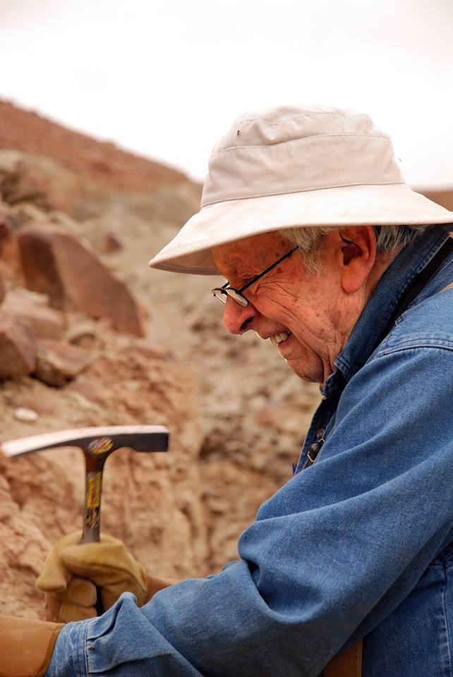 Riccardo Levi Setti Digging Morocco