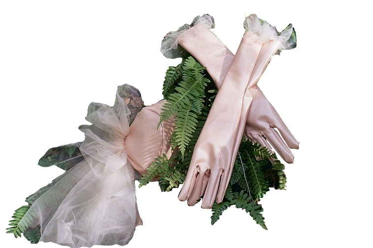 Nude Gloves 3.png