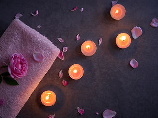 spa-composition-of-candles-and-rose.jpg