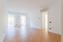 agencyimmobiliare como trilocale centro (19).jpg