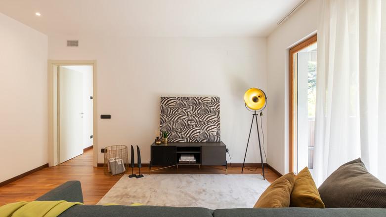 bilocale con terrazzo agencyimmobiliare como (7).jpg