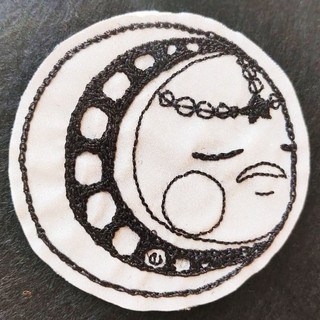 Dame Lune